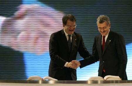 Prodi e D'Alema firmano il trattato di Lisbona il 13 dicembre 1997